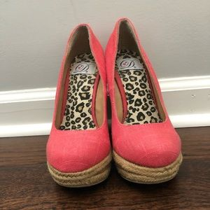 Shoes - Coral wedges
